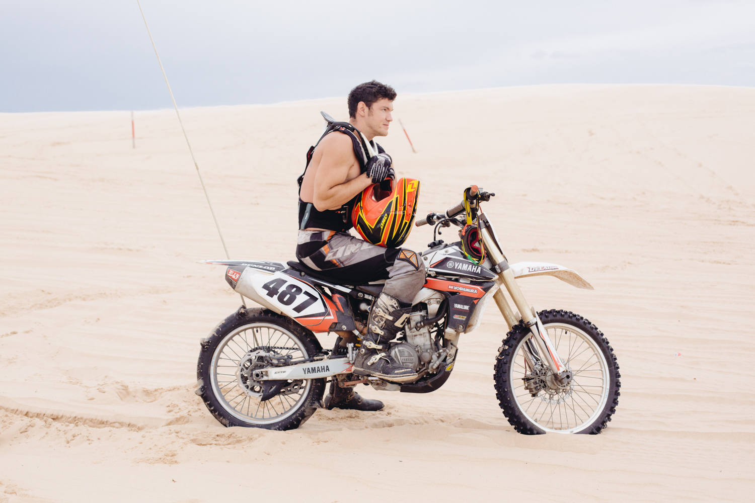 riding-a-dirt-bike-in-the-sand-dunes