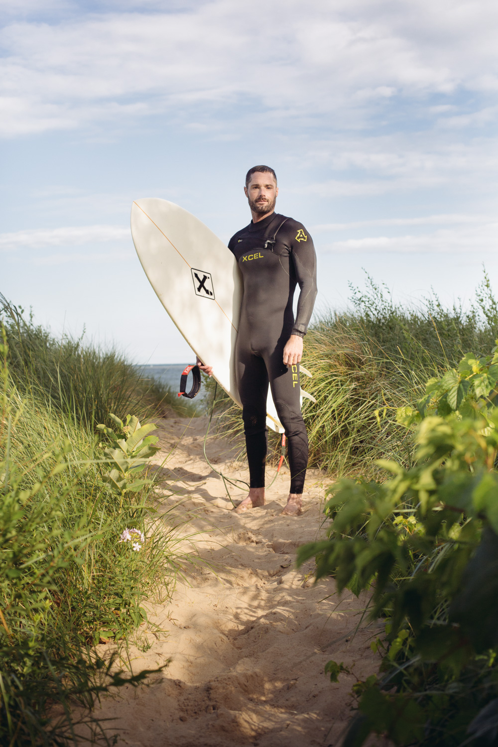 wetsuit-and-surfboard